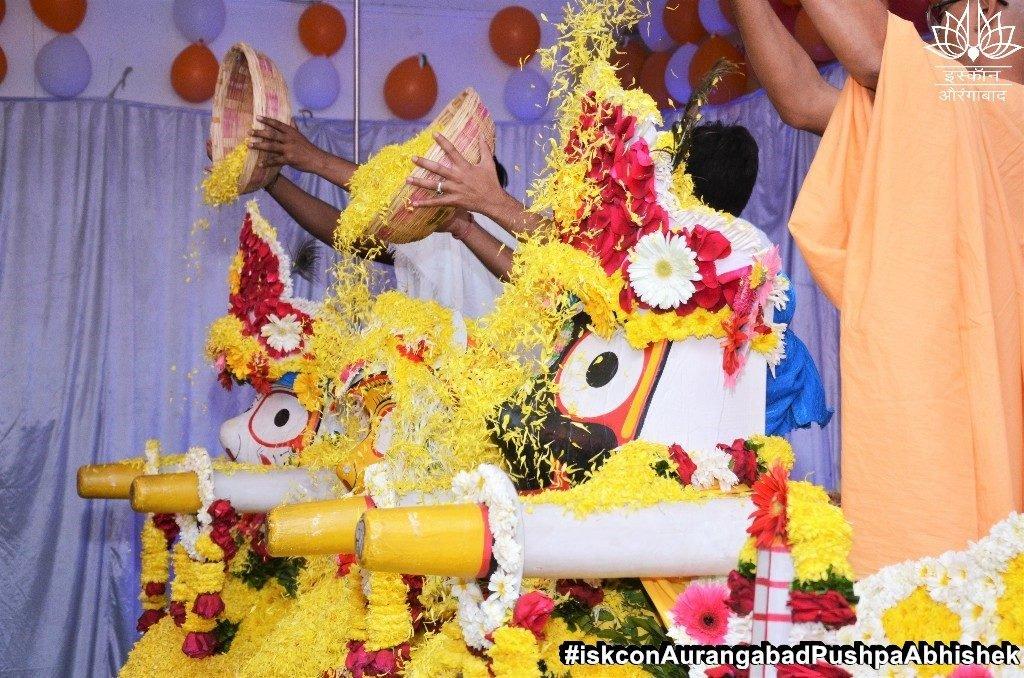 ISKCON Aurangabad Pushpa Abhishek Festival 2019 18