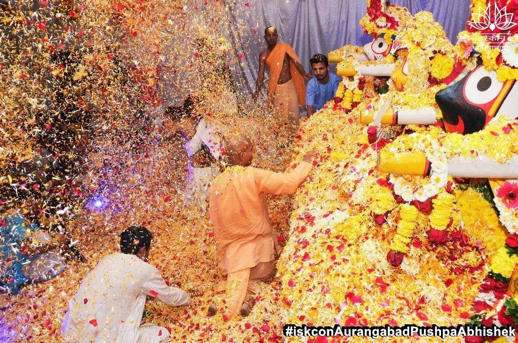 ISKCON Aurangabad Pushpa Abhishek Festival 2019 21