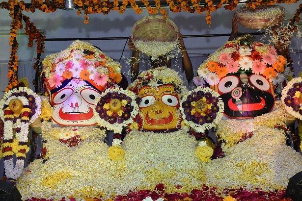 iskcon aurangabad pushya abhishek gaura vani prabhu